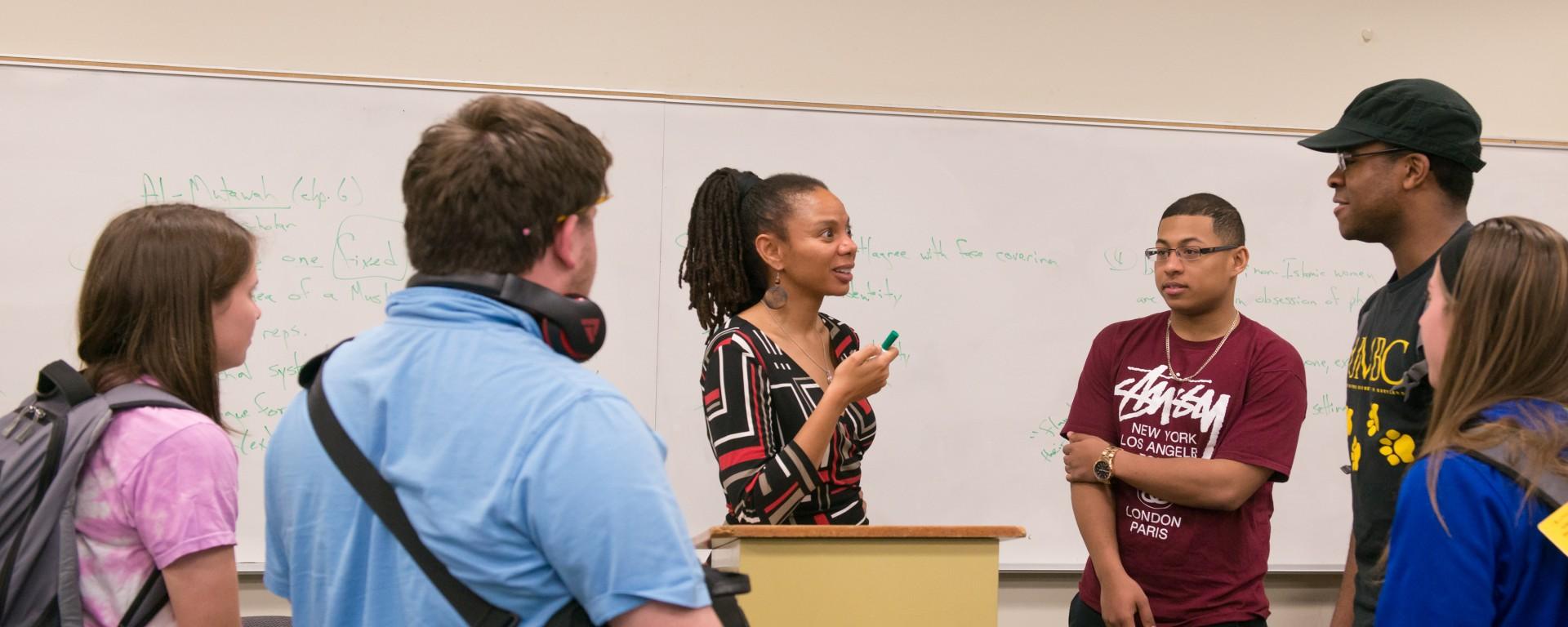 Kimberly Moffitt teaching