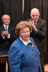 Sen. Mikulski receives Distinguished Public Service Award